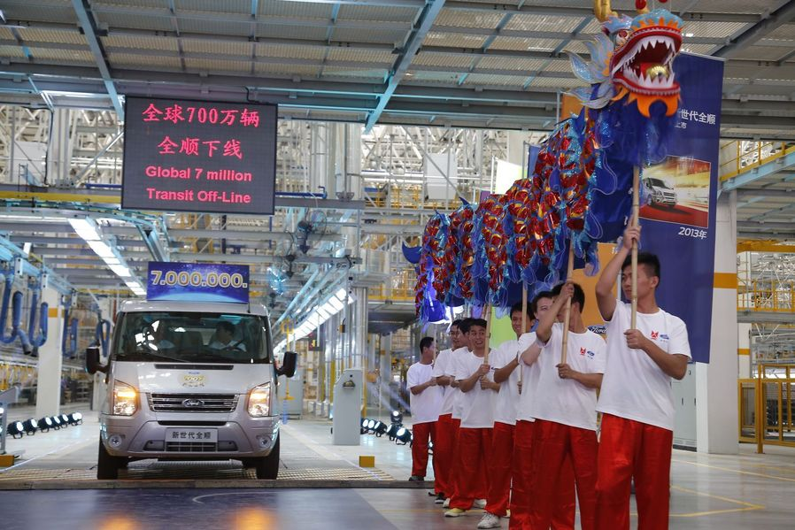 In China läuft der siebenmillionste Ford Transit vom Band.
