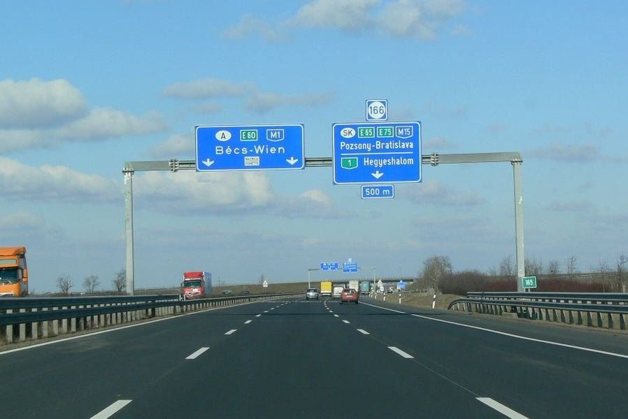 Hungarian commercial vehicle toll system is not working properly