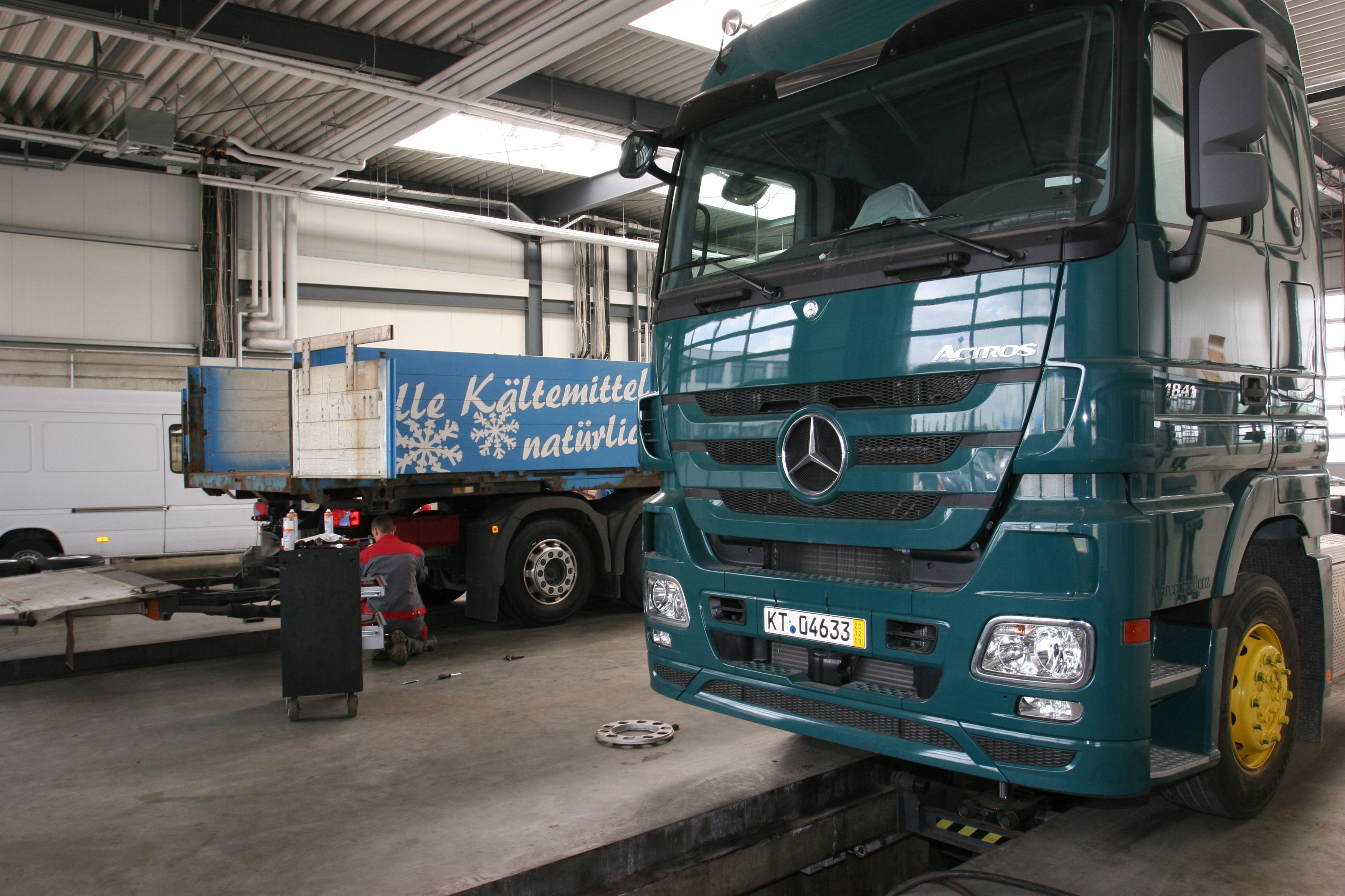 ihr recht in der werkstatt autoscout24 trucksblog deutschland. Black Bedroom Furniture Sets. Home Design Ideas