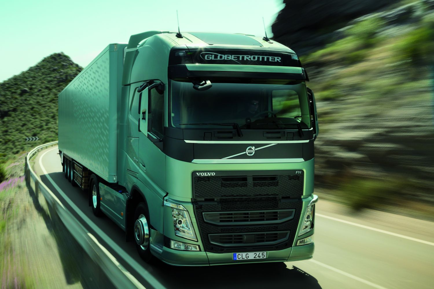 """Volvo FH ist """"Truck of the Year 2014"""""""