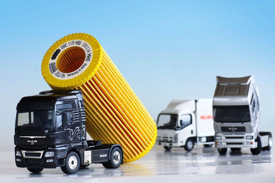 nutzfahrzeuge filter und vliese gegen dreck und staub autoscout24 trucksblog deutschland. Black Bedroom Furniture Sets. Home Design Ideas