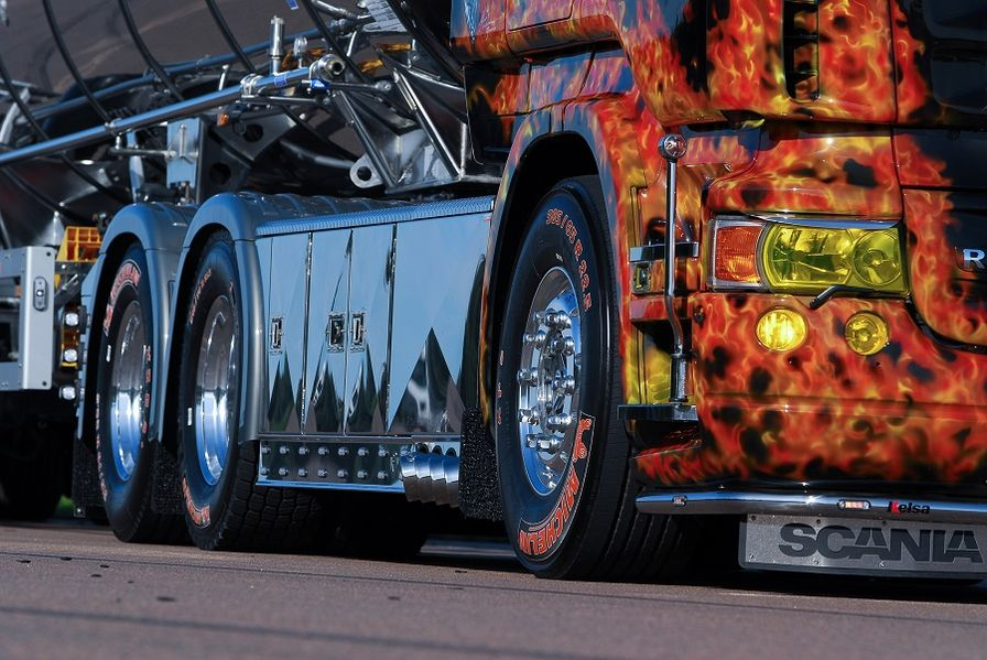 Scania R 620 als flammendes Inferno