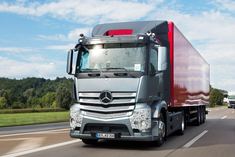Mercedes Antos: Little Actros Brother Hits It Big