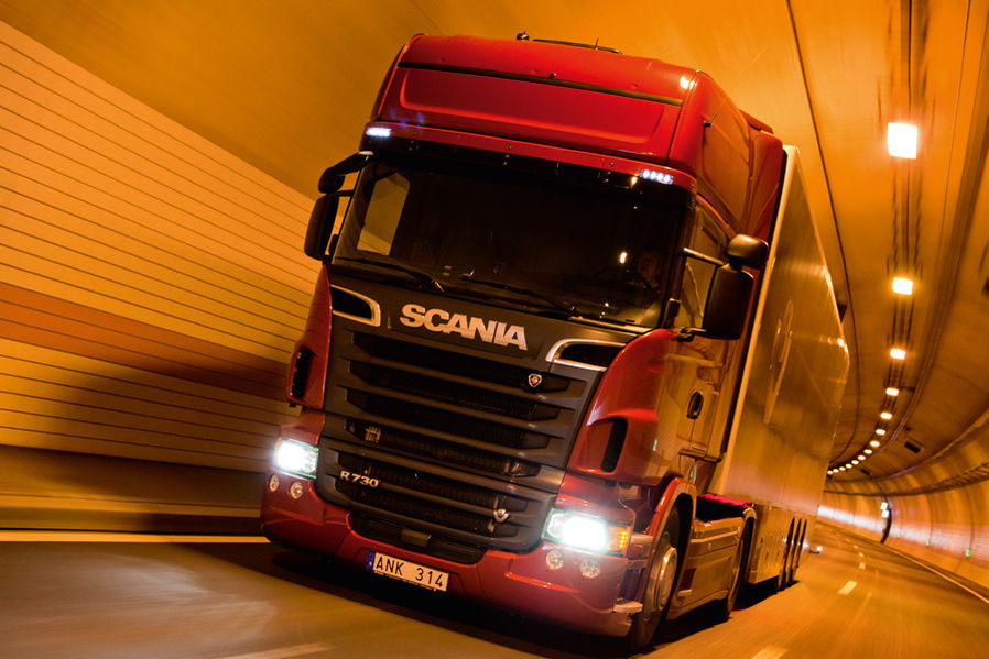 Scania R 730 V8 Topline in practical test