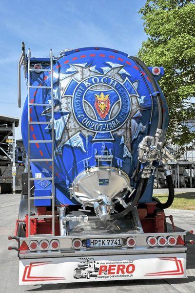 Scania R 480 erlebt sein Blaues Wunder