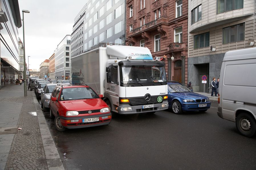 Falschparker haften bei Unfall mit
