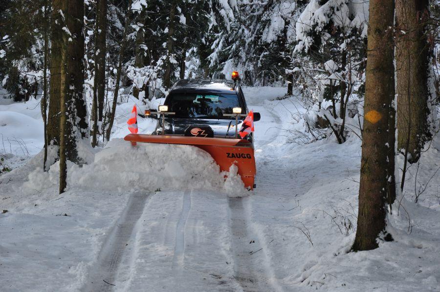 Schneepflug am Personenwagen