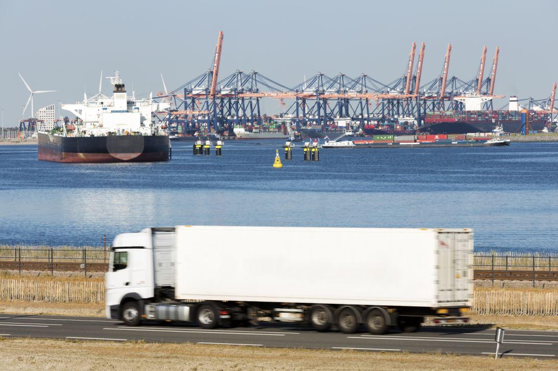 Export Iran - Lkw und Hafen