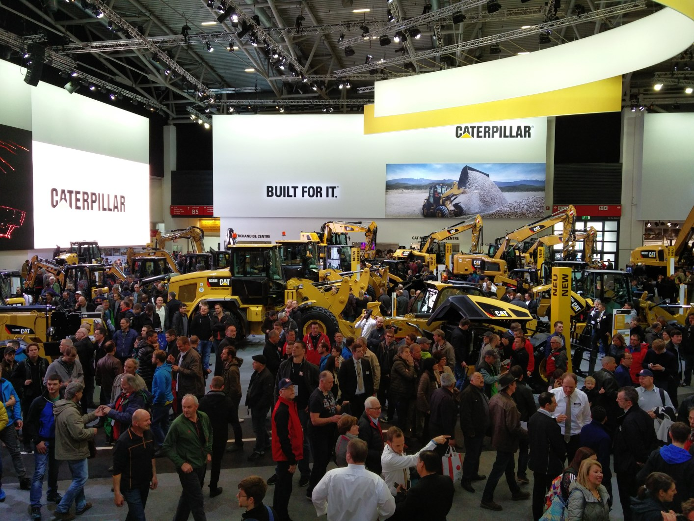bauma-2016-CAT-Messestand