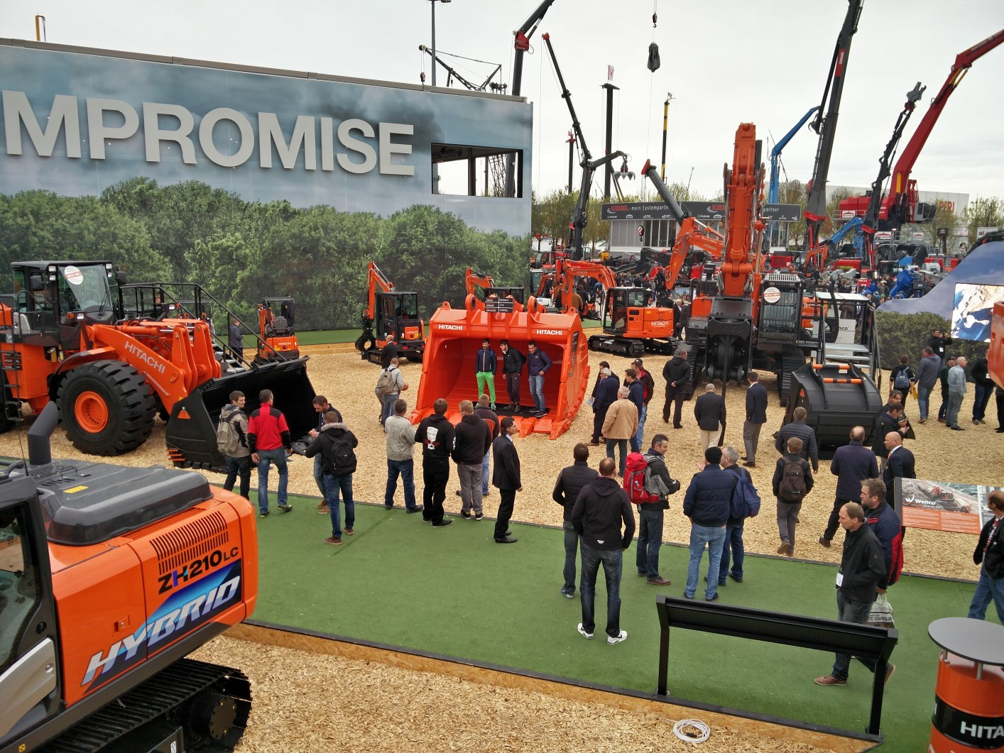 bauma-2016-Hitachi-Messestand