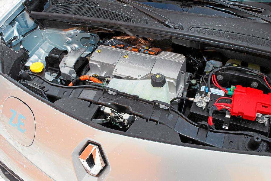 Renault Kangoo Electric Transporter In Winter