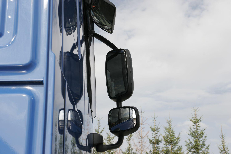 Asferische Spiegel Auto.Direct En Indirect Zicht Bij De Vrachtwagen